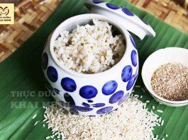 cơm gạo lứt muối mè là món ăn thực dưỡng phổ biến nhất
