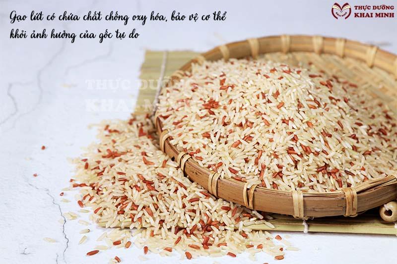 Tác dụng của gạo lứt giúp bảo vệ khỏi sự xâm hại của các gốc tự do